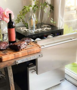 A Wine and BBQ Cooler to Make Entertaining Easy with New Air